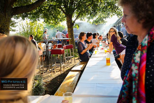 6D – General Picture Release: Plattform Lichtenberg für Menschen. Grillerei – Ein Jahr erfolgreiche Zusammenarbeit mit dem pro mente Jugendwohnhaus Lichtenberg, 9.9.2016 – Presse- & Veranstaltungsfotografie