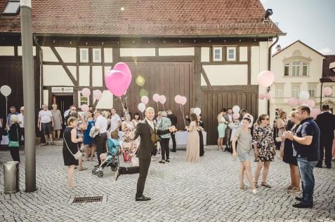 Hochzeitsreportage Schloss Köngen Hochzeit Fotografin Michaela Klose Ballons