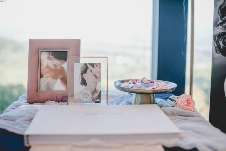 Michaela Klose Messestand 2018 Hochzeitsmesse Giveaway Glitzer Mitgebsel Haargummi