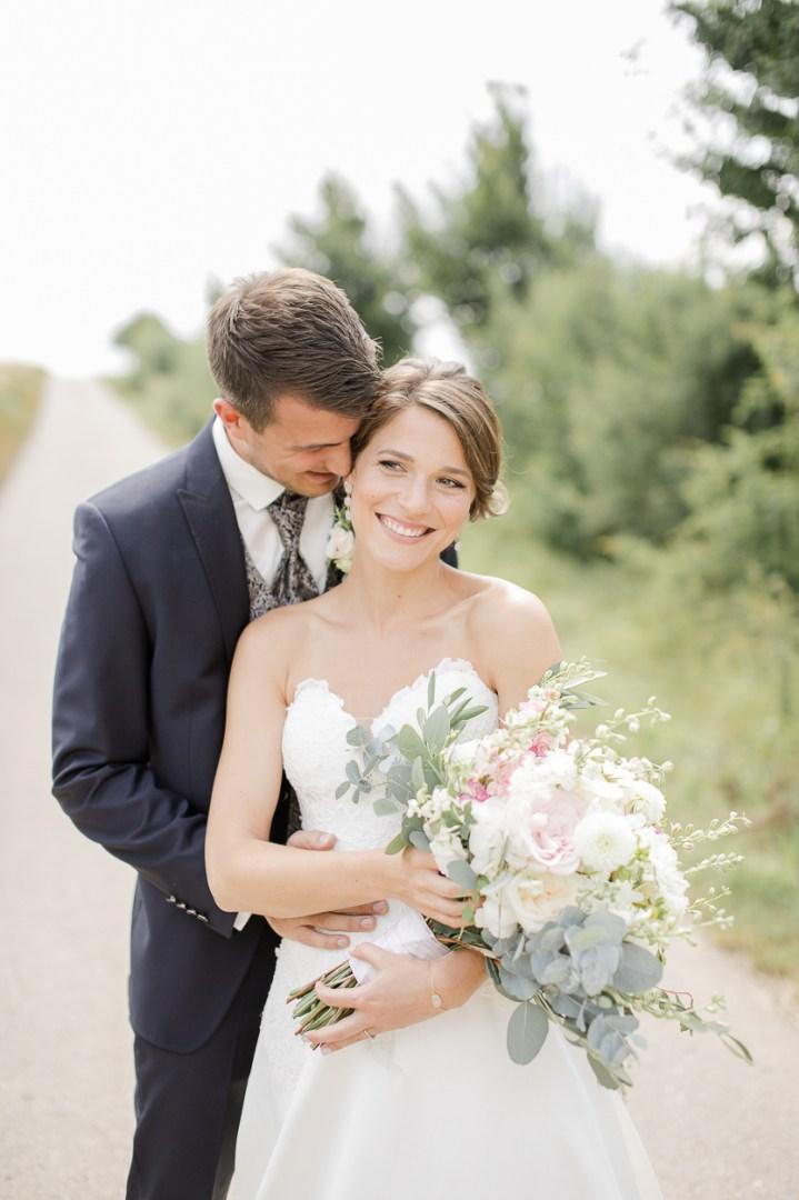 Brautpaar Reportage Brautpaarshooting Paarshooting Hochzeit Weingut Kurz Wagner 2019 Michaela Klose