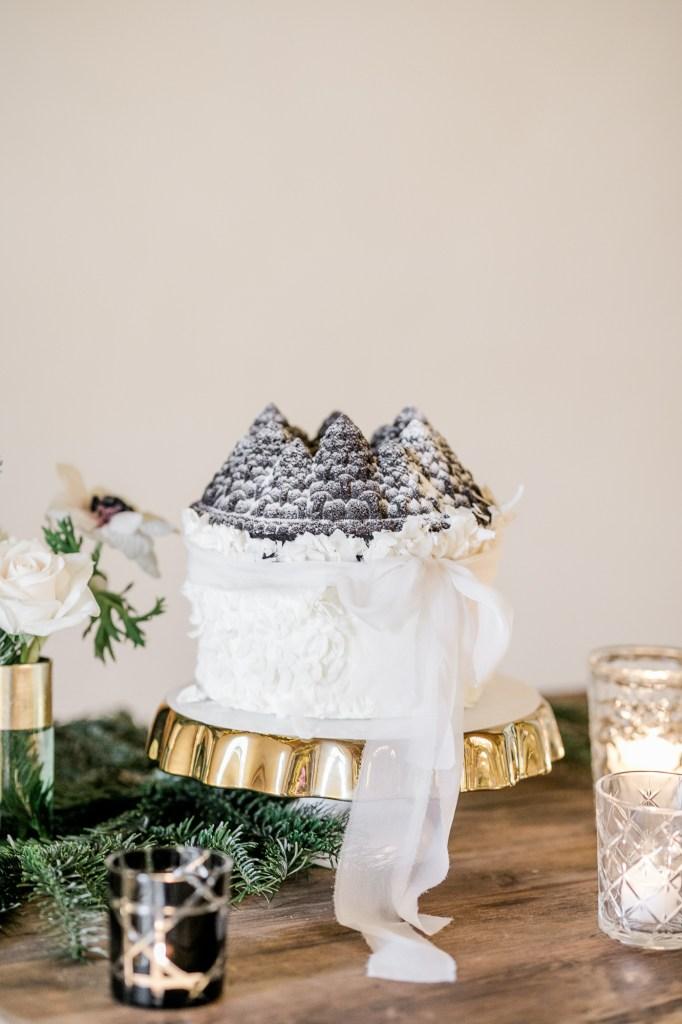 Hochzeitstorte Guglhupf Berglandschaft Heike Krohz
