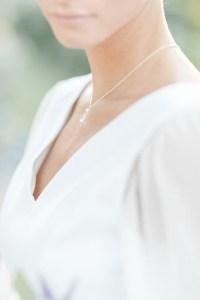 Feine Hochzeit in der Pfalz Braut minimalistischer Look Juvelan