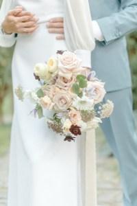 Brautpaarshooting Hochzeitsfotos Pfalzhochzeit Hochzeitsfotograf Michaela Klose Brautstrauß