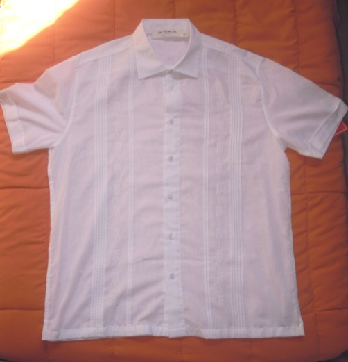 Traditional guayabera with two pockets and pleats