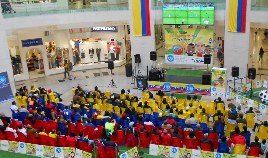 Colombians watching World Cup Futbol at Centro Comercial Bulevar