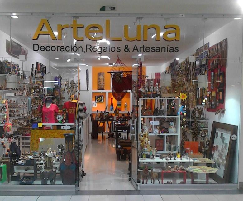 Arte Luna front of store