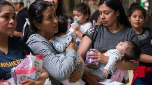 Texas Towns Cope with Migrant Wave Not Tested for Coronavirus