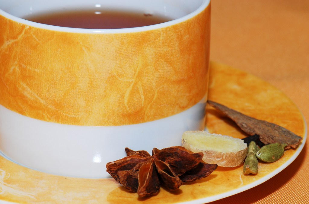 Home Cold Remedy: Ginger & Honey Tea