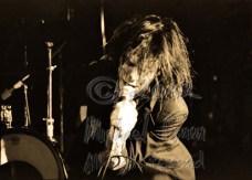 Nick Cave closeup on his knees [Nick Cave & The Bad Seeds - I Beam, SF 10-28-86]