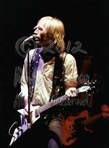 Michael Conen - Tom Petty & Flying V with Mike Campbell behind 2