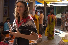 Radina shops the new Mysore market