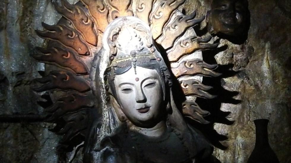 Buddhas everywhere!