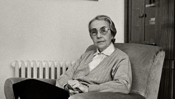 Nexhmije Hoxha 1991