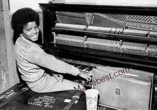 Piano Photo-Early-Years-4-Micheal-Jackson