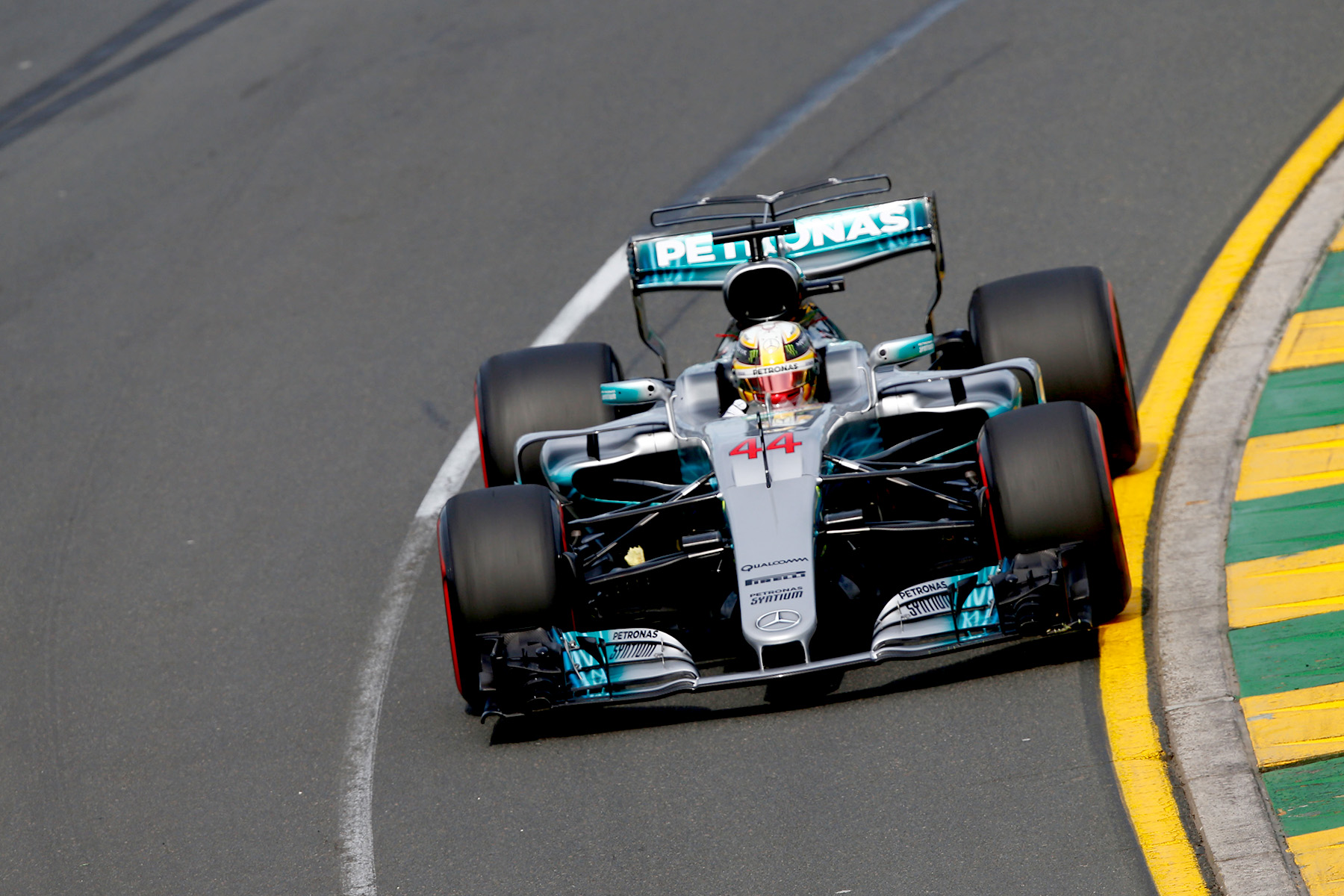 Hamilton leads Vettel on front row after tense Australian qualifying
