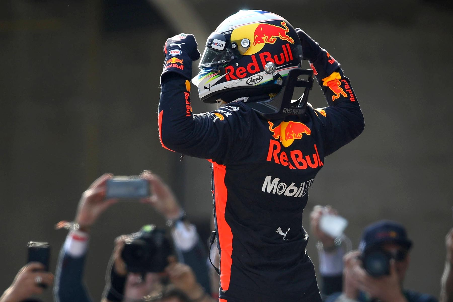 Daniel Ricciardo celebrates winning the 2018 Chinese Grand Prix.
