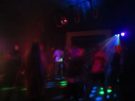 """Eltern für Eltern Party """"Tanz in den Mai"""""""