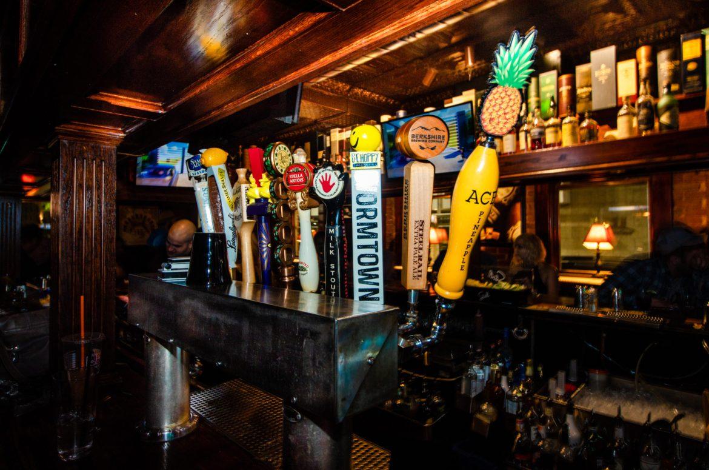 Bar & Lounge
