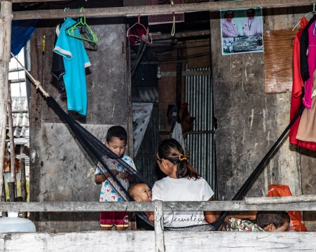 Migrant Burmese kids growing up