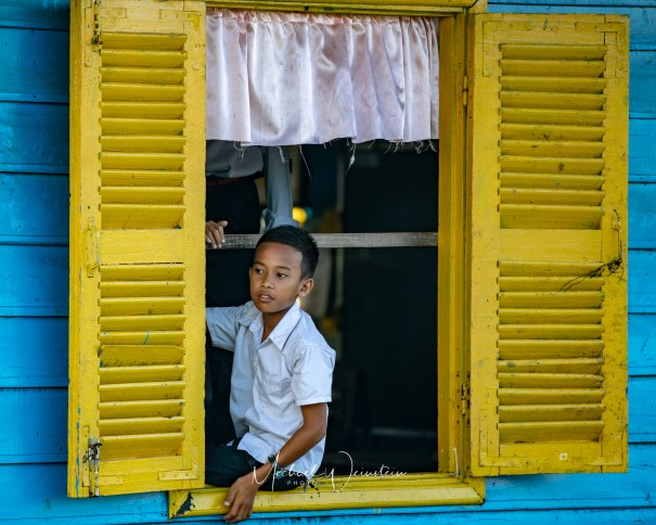 Tonle Sap Lake Floating Schoolhouse playing it cool-1
