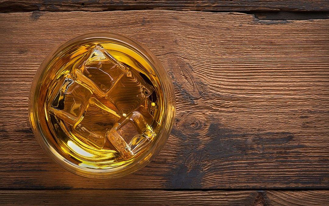 Co to jest bourbon? Przewodnik dla początkujących.