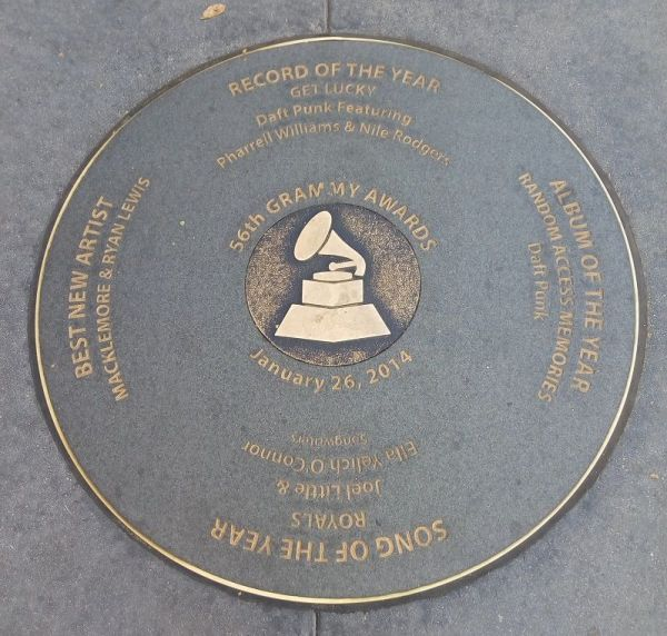 Daft Punk recibieron el Grammy por Get Lucky