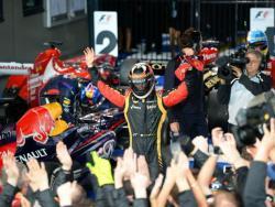Kimi celebrando su victoria