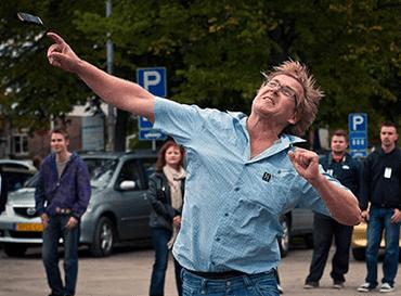 En Finlandia lanzan los móviles... en un campeonato