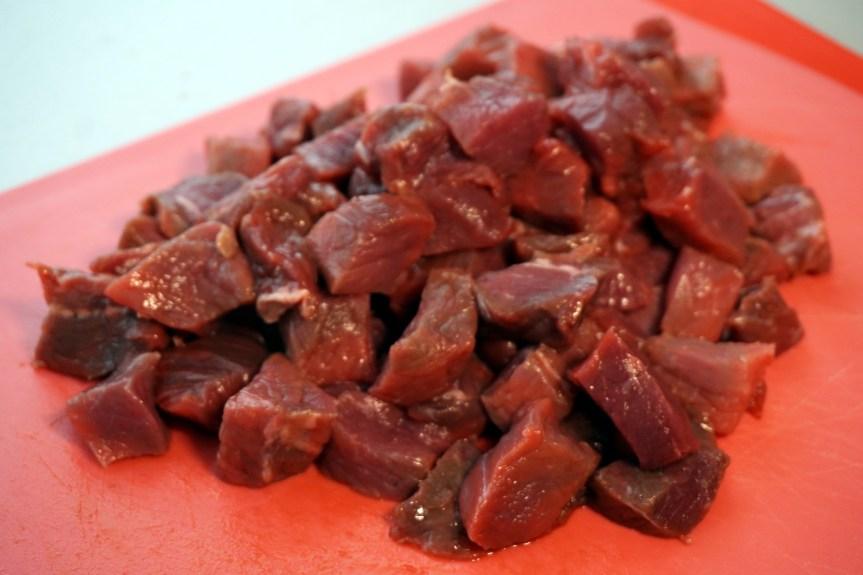 Rindfleisch klein geschnitten