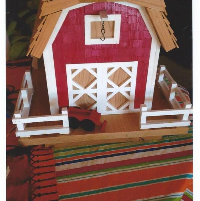 Harold Benoit – woodcraft, bird feeders and decorations