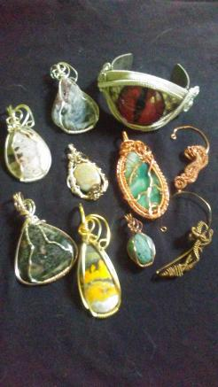 JD Maree – Jewelry, Wire Wheat, Scarf Rings, Ear Cuffs, Necklaces, Bracelets, Kumihimo, Tiles, Sliders