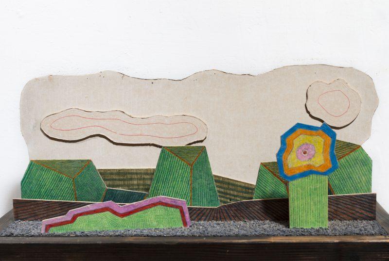Michel Rossigneux - Haïku n°3 - techniques et matériaux divers: bois, carton, crayons de couleur, sable...