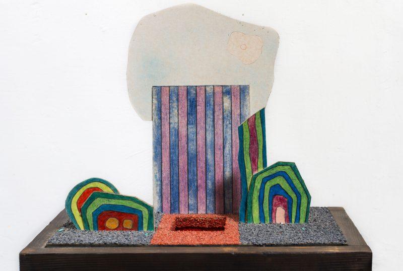 Michel Rossigneux - Haïku n°5 - techniques et matériaux divers: bois, carton, crayons de couleur, sable...