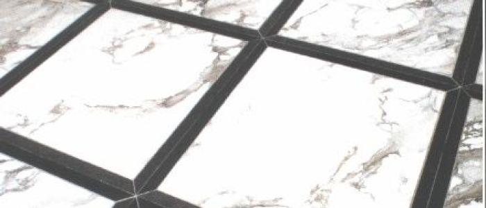 Bodenbelag Naturstein, Arabesco poliert mit Einlegestreifen in Star Galaxy geschliffen