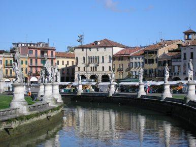 Canal with statues at Prato della Valle