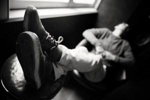 Les pieds devant