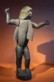 Même dans les traditions   fricaines ,on retrouve  cette légende de l'homme-requin,comme celui-ci provenant du Dahomey.