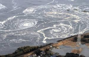 Voici l'endroit ou l'eau en provenance des  réacteurs endommagés fuit vers l'océan Pacifique...l'eau est en ébullition.