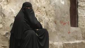 Cette jeune femme...au Yémen!