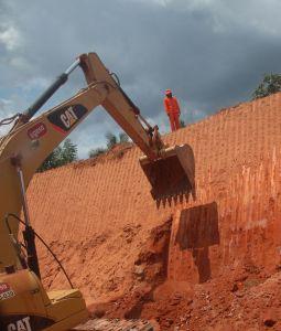 L'environnement n'est pas dans l'agenda des entreprises multinationales participantes au projet de destruction de l'Amazonie ...pour produire un peu d'energie pour les entrepreneurs capitalistes du Brésil.