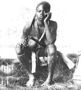 Rare photo d'une amazone du Dahomey.