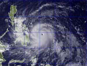 Le typhoon Haiyan est en approche  actuellement ,des Philippines ,avec des vents de plus de 300 km/h.