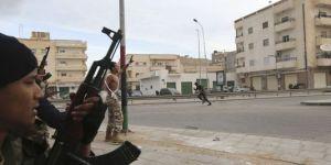 Heurts entre l'armée et Ansar Al-Charia, le 25 novembre à Benghazi.