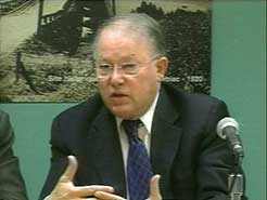 Bernard Landry ,lors de l'annonce du projet Gaspésia.