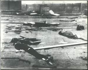 Après l'attaque des militaires,les rues étaient couvertes de cadavres...des ouvriers et des manifestants.