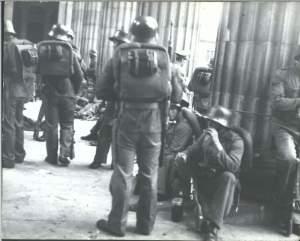 Équipée en grande partie de matériel militaire d'origine allemande,l'armée s'intalla à demeure.