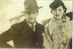 L'homme qui apparait à gauche sur cette photo datant à peu près de 1929,est Jorge Eliecer Gaitan,un grand leader que le massacre fera découvrir au peuple.