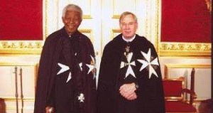 Nelson Mandela est un franc maçon bien connu...et illuminati.