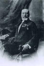 Photo  prise au-début du vingtième siècle identifiant Fulcanelli...l'habillement le relie à une loge maçonnique.