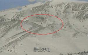 L'épicentre des séismes est encerclé dans la photo.